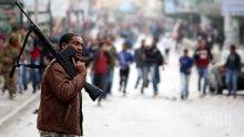 Над 50 са вече жертвите на военните сблъсъци в Либия