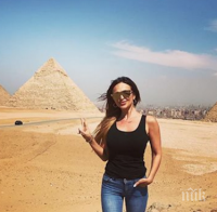 Глория от Египет: Пея, пътувам, мечтая