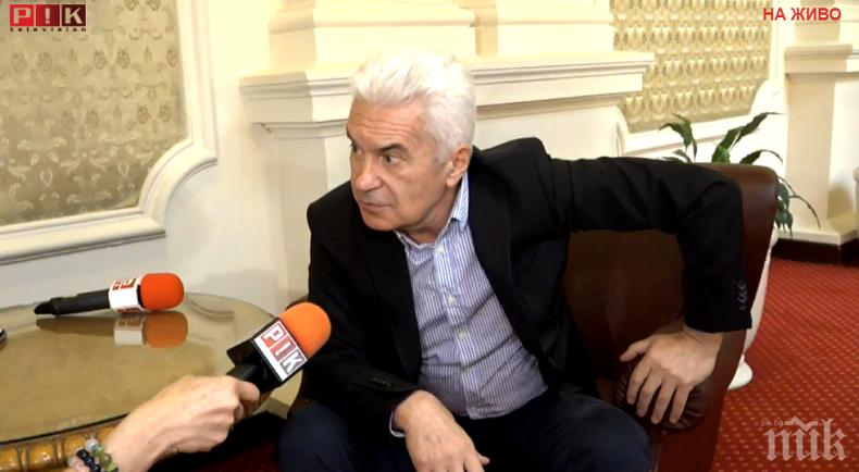 """Волен Сидеров: Парламентът не се """"оголва"""" с оставките в ГЕРБ, има достатъчно подготвени кадри"""