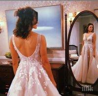 Нина Добрев вдига сватба