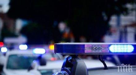 УЖАС НА ПЪТЯ: Кола се заби в спирка, счупи черепа на 19-годишен младеж