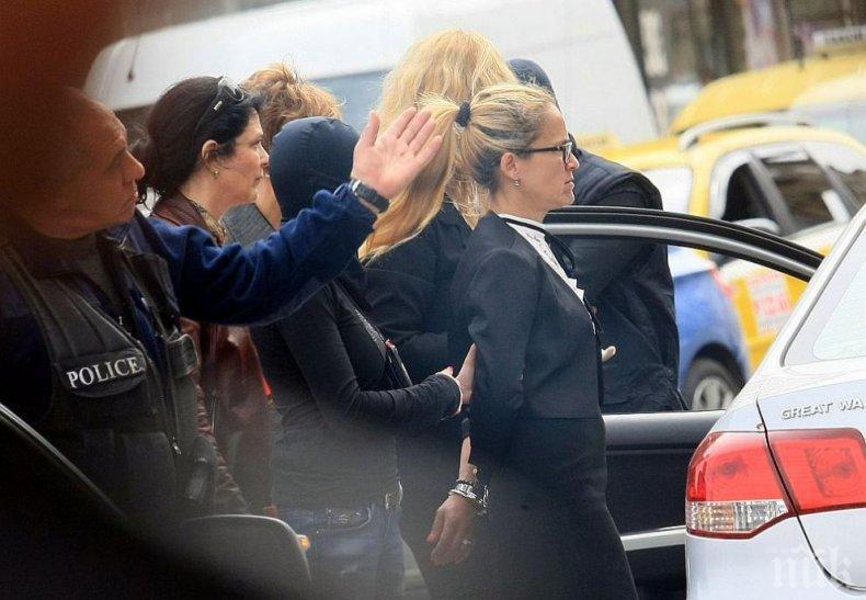 Абсолютен скандал е, че корумпетата от БТВ и Нова изкарват невинна корумпето Иванчева