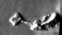 МИСТЕРИЯ: Откриха база на извънземни на Марс (ВИДЕО)