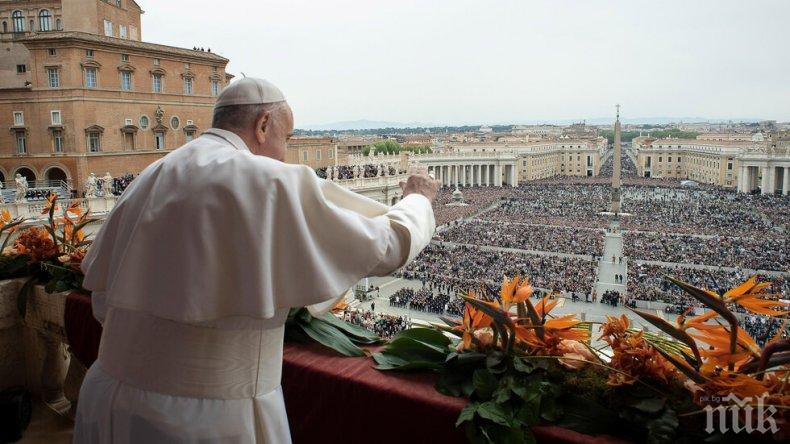 Папа Франциск пак зове за мир в Либия и Сирия
