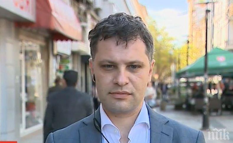 Александър Сиди изригна: Елена Йончева прави политики по студиата, а не в пленарна зала