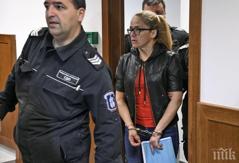 Иванчева се яви като свидетел по дело за автокатастрофа