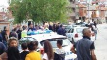 """Голям екшън в """"Столипиново"""" - циганите настръхнаха, БМВ помете хора и коли (СНИМКА)"""