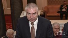 ЦИК: Няма решение за затваряне на аптеките и бензиностанциите на Марешки