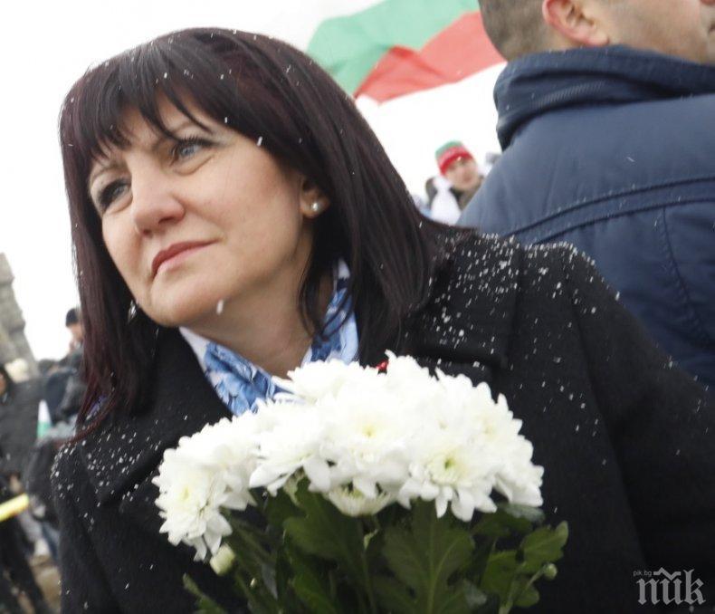 Караянчева с ключов коментар за скандалите: Европа гледа вътрешните ни разправи