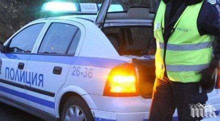 Автоджигит помля коли при гонка с полицията
