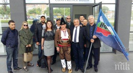 Пълни зали по време на срещите на Валери Симеонов със симпатизанти в Шумен, Разград и Русе (СНИМКИ)