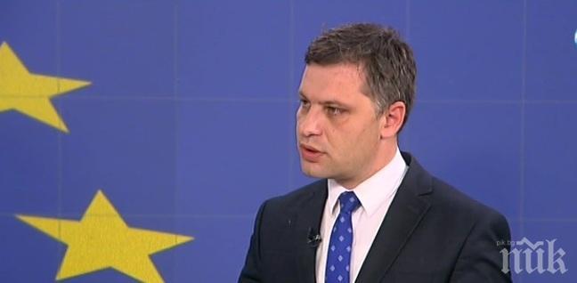 Александър Сиди: Джамбазки изпълни думата евродепутат със съдържание