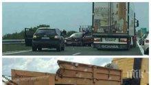 """МЕЛЕ НА """"ТРАКИЯ"""": Румънски тир помете три коли, има ранени (СНИМКА)"""