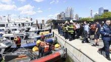 Хеликоптер падна в река Хъдсън в Ню Йорк (ВИДЕО)