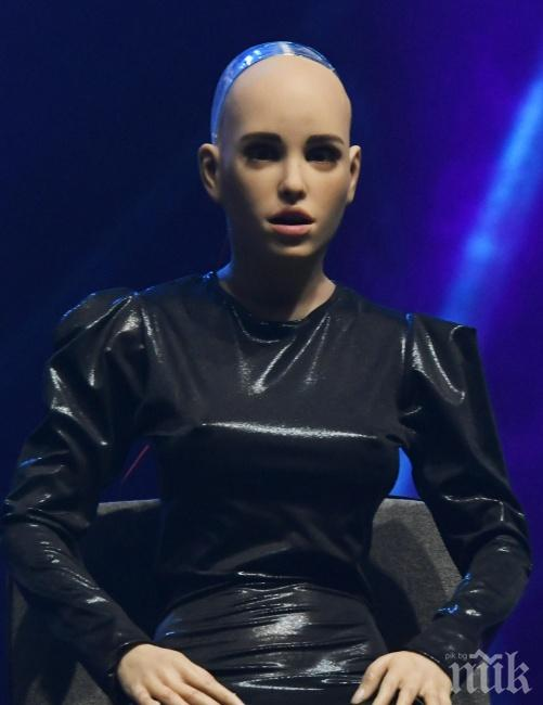 ХИТ: Първата секс-кукла - робот в света беше показана на фестивала Webit (СНИМКИ)