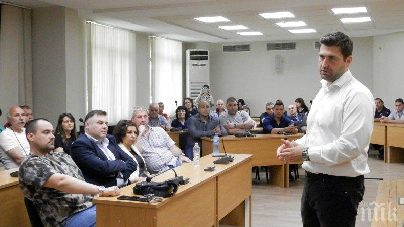 """Андрей Новаков: Ако тримата български евродепутати бяха участвали в гласуването на пакета """"Мобилност"""", днес щяхме да говорим за него в минало време (СНИМКИ)"""