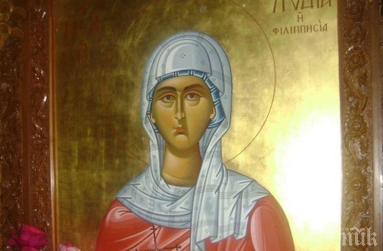 ПРАЗНИК: Почитаме първата жена християнка в Европа - имен ден празнуват всички жени с това прекрасно име