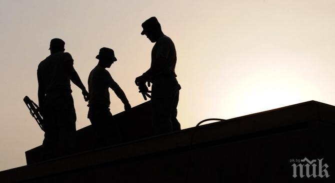 Строителството отчете лек ръст през април