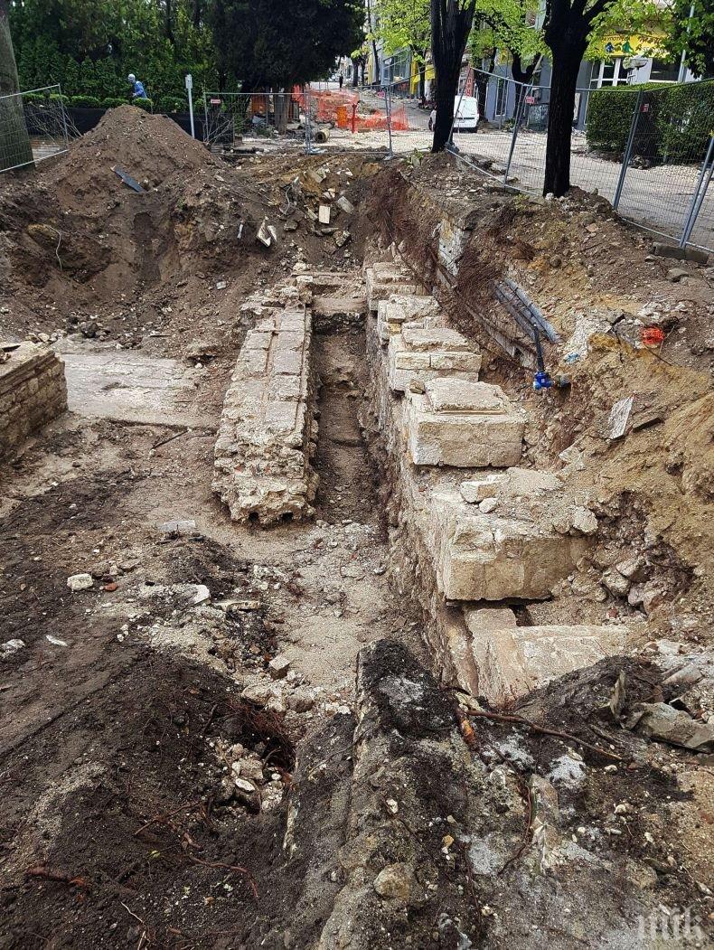 Дъжд и археология бавят ремонтите във Варна