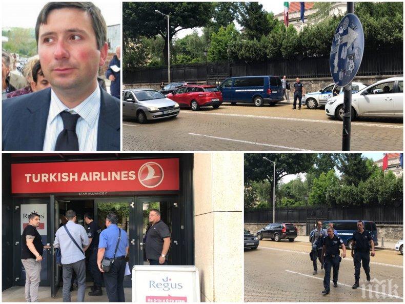 ИЗВЪНРЕДНО В ПИК TV: Спецполиция и разследващи обградиха офисите на подсъдимия Иво Прокопиев (СНИМКИ/ОБНОВЕНА)