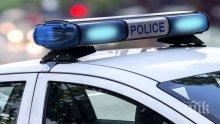 Отнесоха полицаи на светофар в Шумен