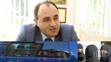 """САМО В ПИК TV: Кметът на Костенец спипан по """"бели гащи"""" от спецпрокуратурата и КОНПИ - изненадали бесепаря в леглото (ОБНОВЕНА)"""