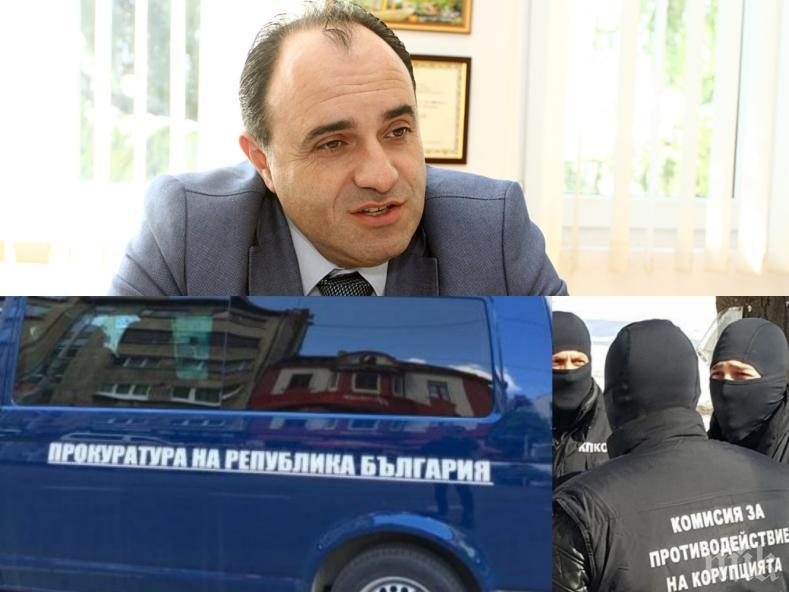 ЕКСКЛУЗИВНО В ПИК: Акцията в Костенец за корупция - удрят кмет на БСП Радостин Радев (ОБНОВЕНА)