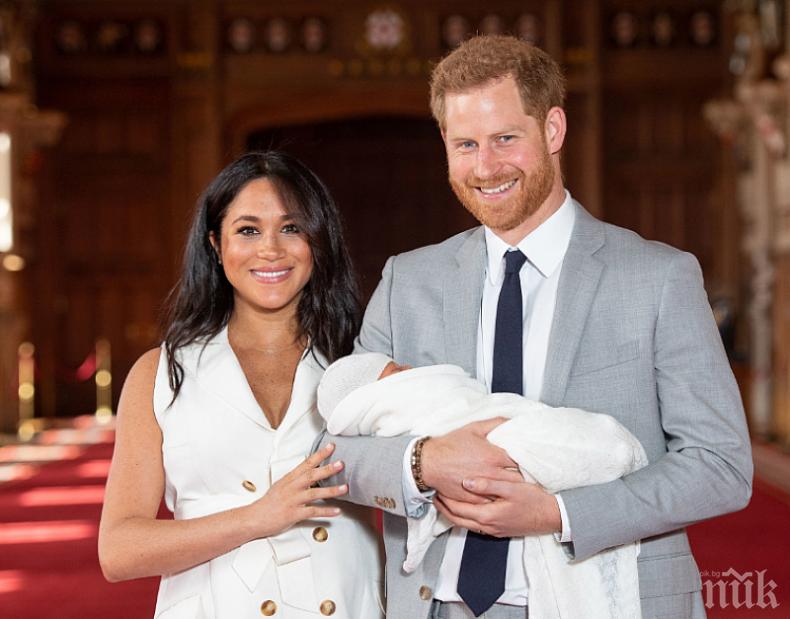 НЕВЕРОЯТНО: Меган и Хари показаха нова СНИМКА на бебето си