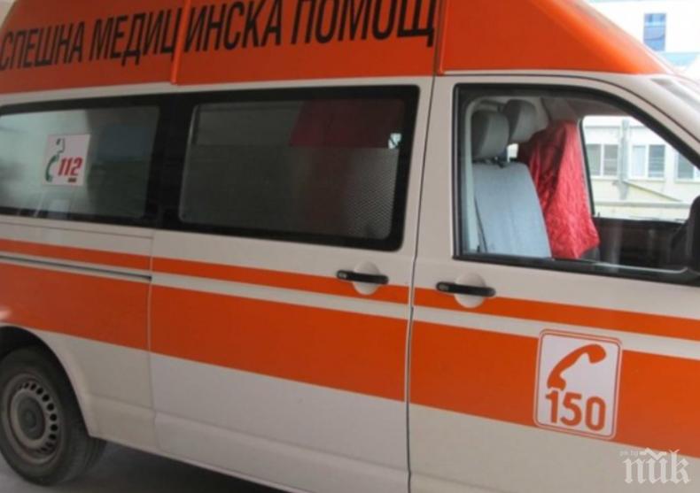 Проверяват случая с издъхналия в линейка врачанин