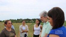 Министър Димов провери възстановяването на Понто-сарматските степи (СНИМКИ)