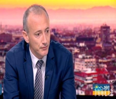 Министър Вълчев: Няма ощетен ученик заради грешката в матурата по БЕЛ
