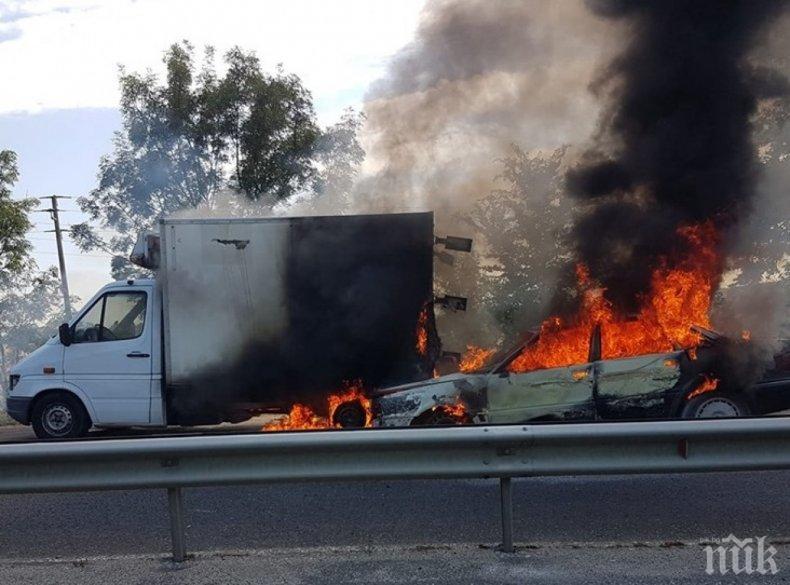 Кошмар край Бургас: Кола с метан избухна при сблъсък с камион (СНИМКИ)