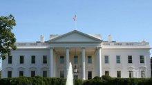 ТРАВМА: Говорителката на Белия дом пострада при бой между журналисти
