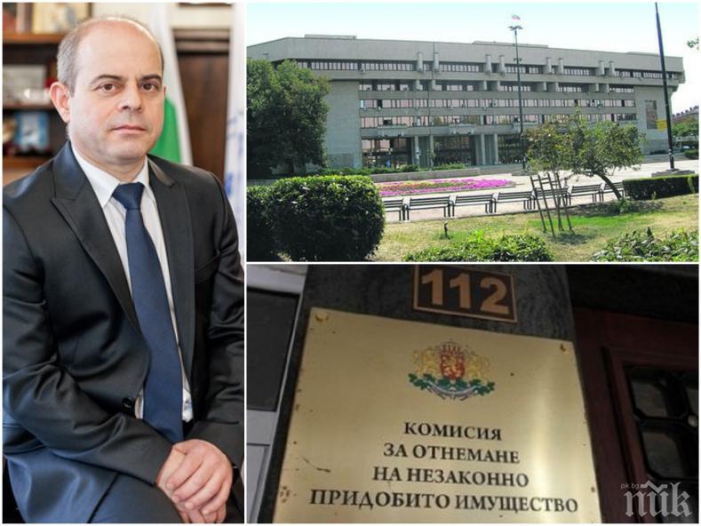 ЕКСКЛУЗИВНО В ПИК: Кметът на Русе завежда дело заради сигнала до КОНПИ - Пламен Стоилов погва всички заради клевети, че е интимен със заместничката си