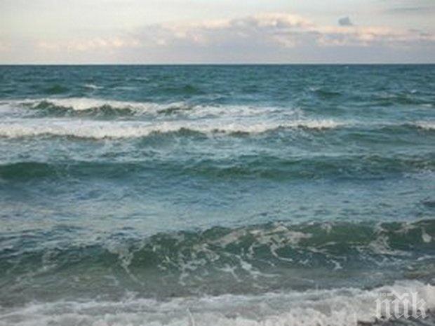 Морето край Поморие погълна младеж, дирят го трети ден
