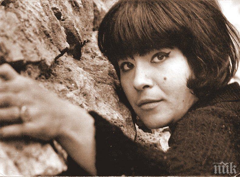 """Ивана, музата на """"Остаряваме бавно"""", на 75. Недялко й подари стихотворение за 51-и път!"""