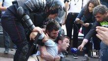 АРЕСТИ В МОСКВА: Над 800 задържани на вчерашния протест