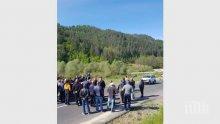 Собственици на прасета блокираха пътя Варна - Бургас