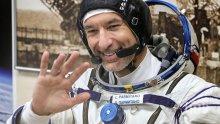 """Италиански астронавт става първият """"космически диджей"""""""