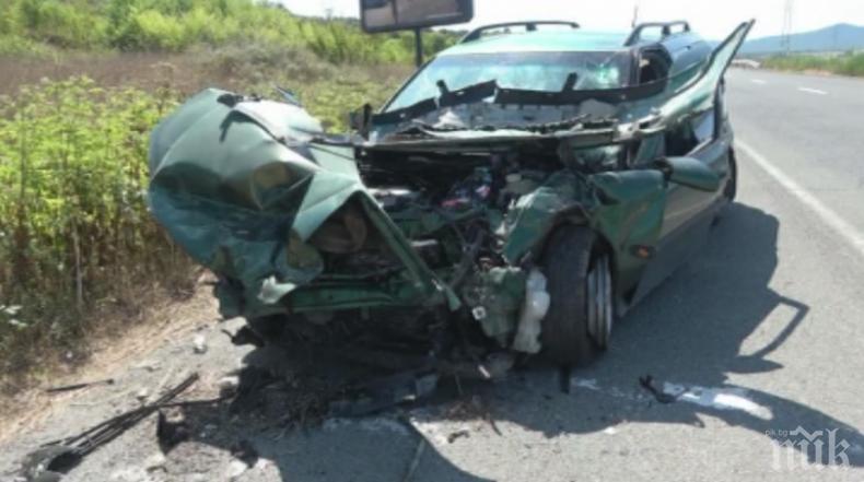 ИЗВЪНРЕДНО! Тежка катастрофа край Созопол, затварят пътя за Приморско