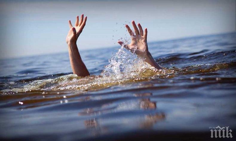 Продължават да търсят момичето, погълнато от морето във Варна