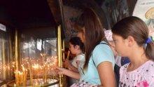 15 хиляди се стичат в Бачковския манастир, игуменът го няма