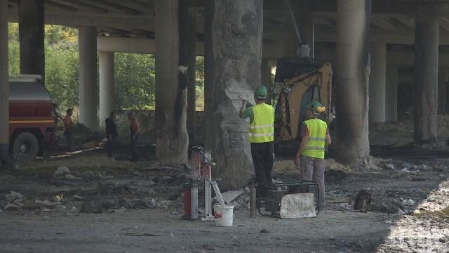 """СЛЕД ПОЖАРА: Ремонтът на моста на магистрала """"Струма"""" ще отнеме поне месец"""