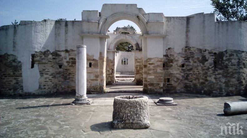 БЕЗХАБЕРИЕ: Кръглата църква във Велики Преслав е в тежко състояние