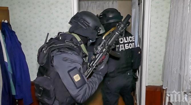 """Спецакция тръшна наркодилъри в """"Столипиново"""""""