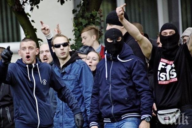 Закопчаха петима футболни фенове на Орлов мост