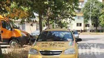Трагедия: Таксиметров шофьор почина пред дома си