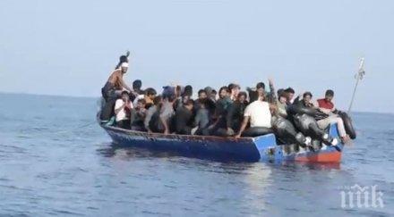 1500 мигранти напускат Лесбос, 300 нови пристигнаха на острова