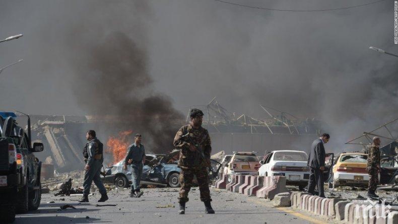 Жертвите на експлозията в Кабул станаха 16, ранените - над 100