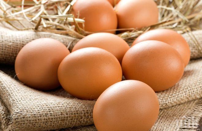 КРУТИ МЕРКИ: Индонезия унищожава 10 млн. яйца, за да спре поевтиняването на пилетата